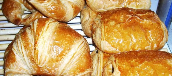 bourgeois_gaudelices_croissant_painchoco.jpg